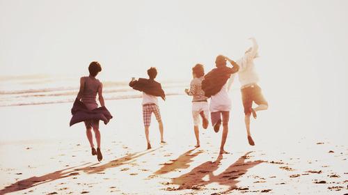 beach-freedom-friends-shinee-sun-Favim.com-139939